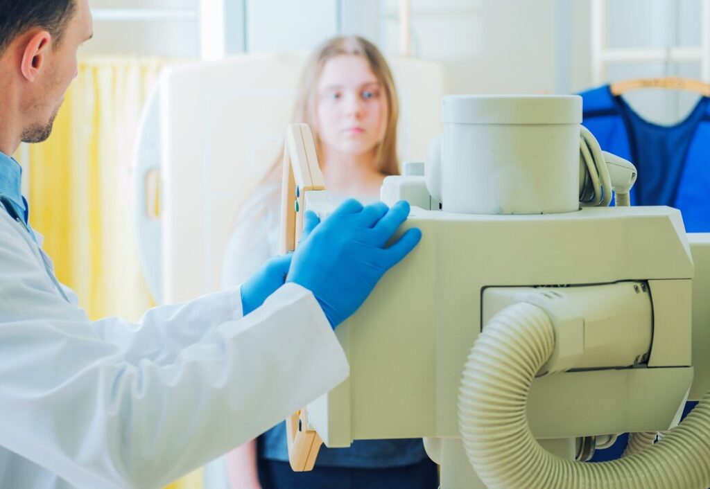 Top 4 Benefits of Using a Portable X-ray Machine